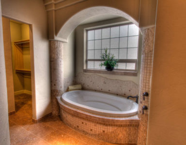 Holiday Ranch master bath