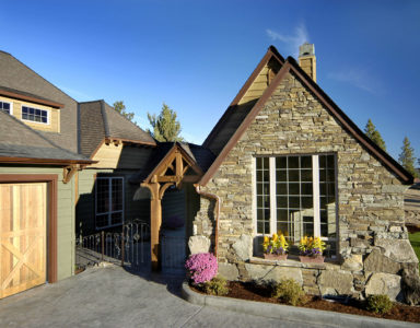 Cottage home on property at Mountain River Estates, Bend Oregon